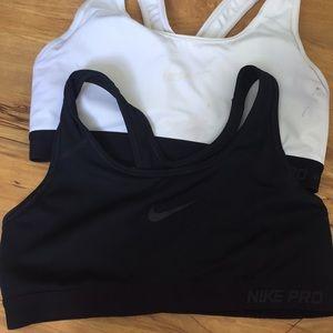 Black and White Nike Pro Sports Bra